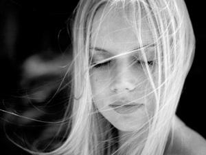 girl-closed-eyes-resize