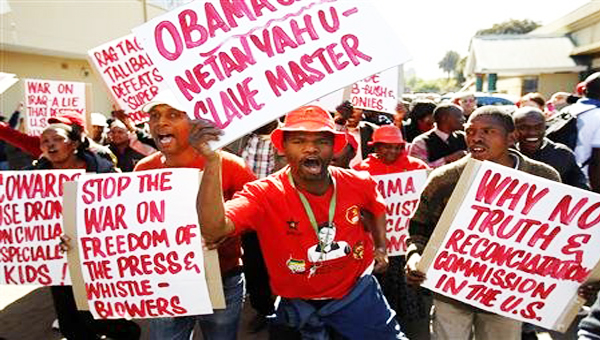obamasaprotestors05