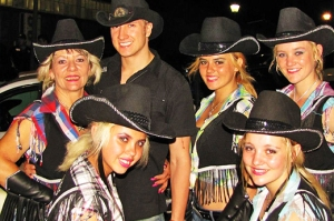 JJ Strydom with the Rodeo Girls