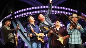Garth Brooks Live On Stage