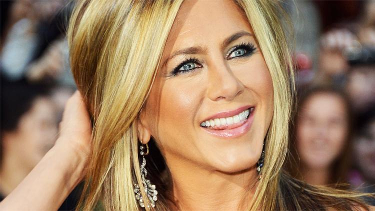 Jennifer Aniston 20-Year Battle With Dyslexia
