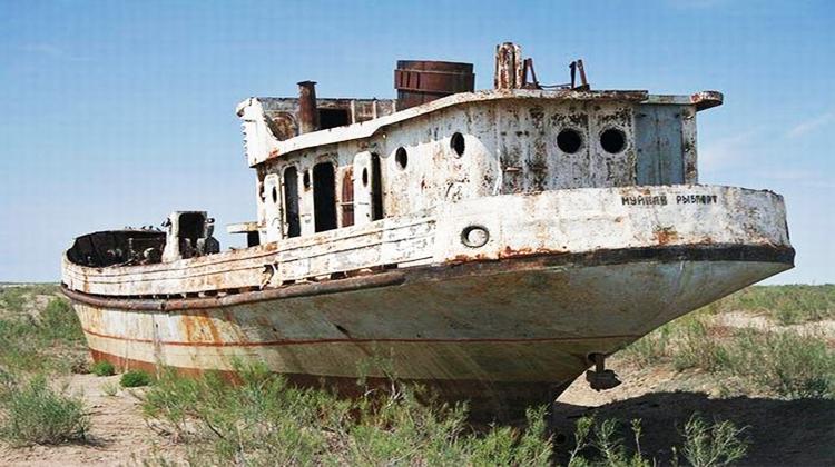 Shipwrecks002