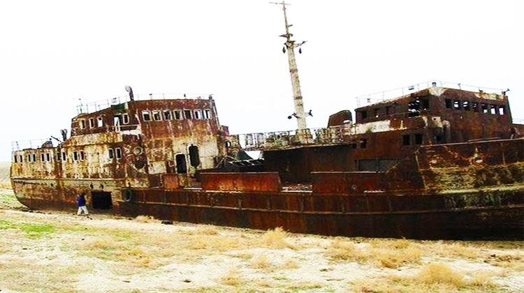 Shipwrecks006