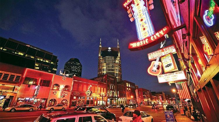 NashvilleBroadway001