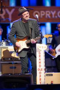 Vince-Gill-25th-Anniv-by-Chris-Hollo-20160813-2731