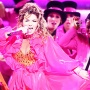 Shania Twain Performs Her Biggest Hits At AMA